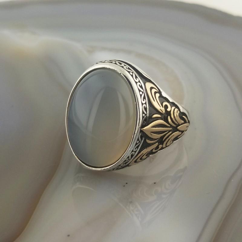 925 Ayar Gümüş Beyaz Taşlı Zambak İşlemeli Erkek Yüzük