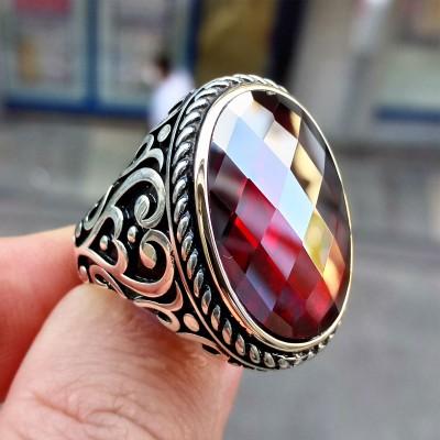 925 Ayar Gümüş Burgu İşlemeli Kırmızı Taşlı Erkek Yüzük