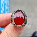 925 Ayar Gümüş Kırmızı Zirkon Taşlı Vav Desenli Gümüş Yüzük