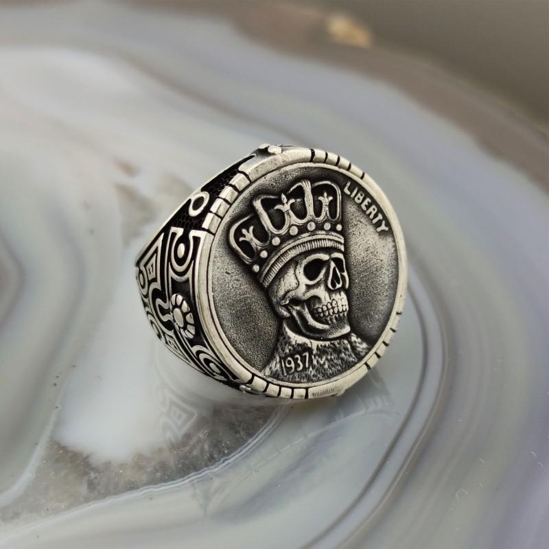 925 Ayar Gümüş Kuru Kafa Kral İşlemeli Erkek Yüzük