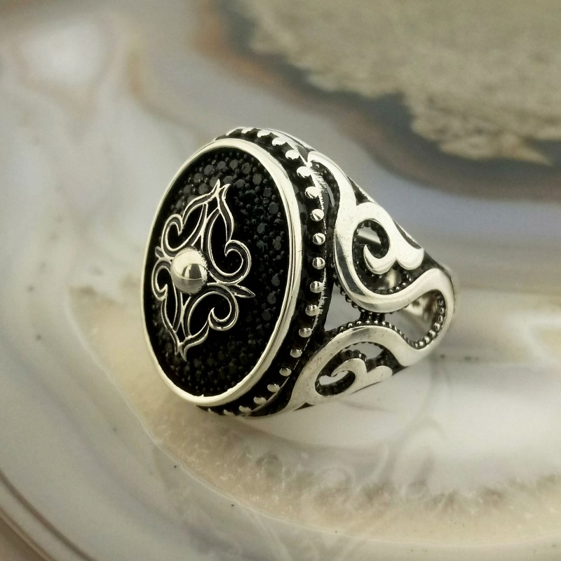 925 Ayar Gümüş Siyah Mikro Taşlı Gümüş İşlemeli Erkek Yüzük