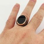 925 Ayar Gümüş Siyah Oniks Taşlı Zambak İşlemeli Erkek Yüzük