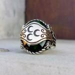 925 Ayar Gümüş Yeşil Taşlı Üç Hilal İşlemeli Erkek Yüzük